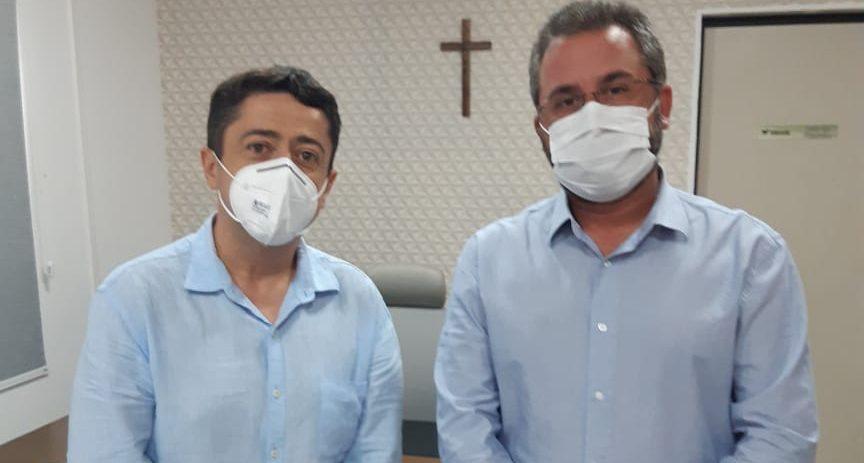 Fausto Sobral, presidente em exercício do CRECI-SE, recebe visita do vereador Fabiano Oliveira