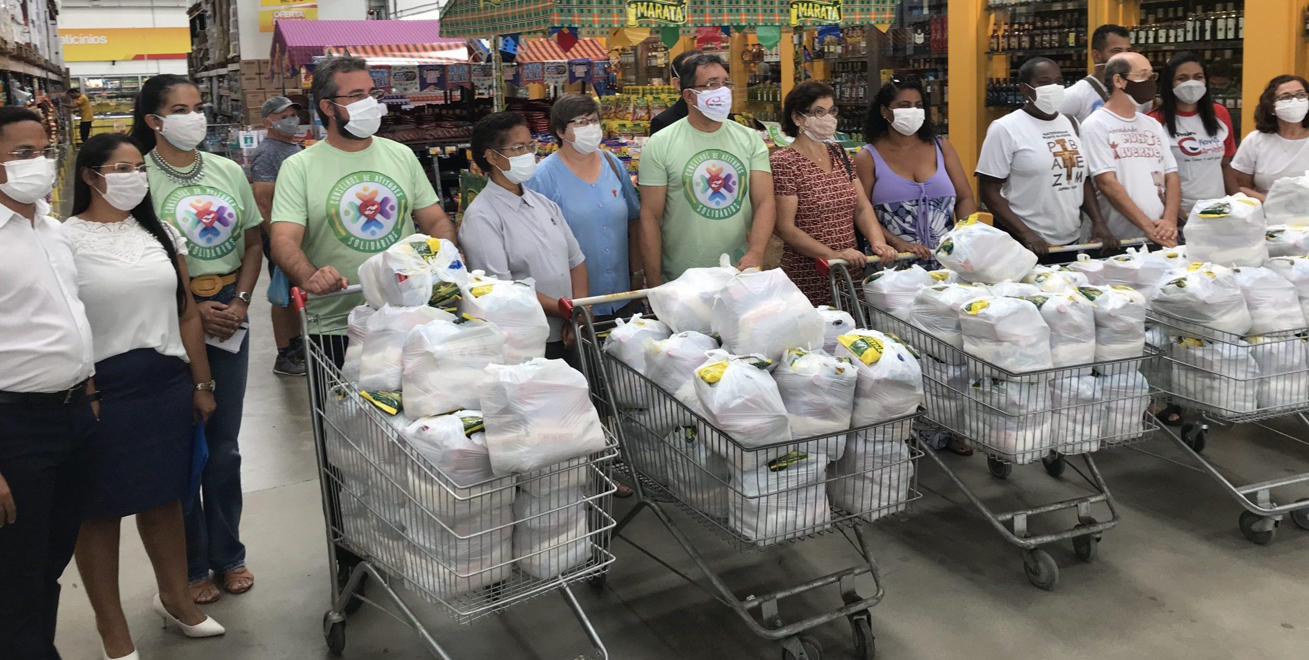 Projeto Conselhos de Atitudes Solidários entrega cestas básicas